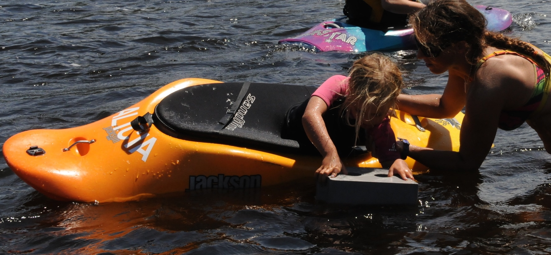 Teaching kids under 12 years how to paddle: TIP #4