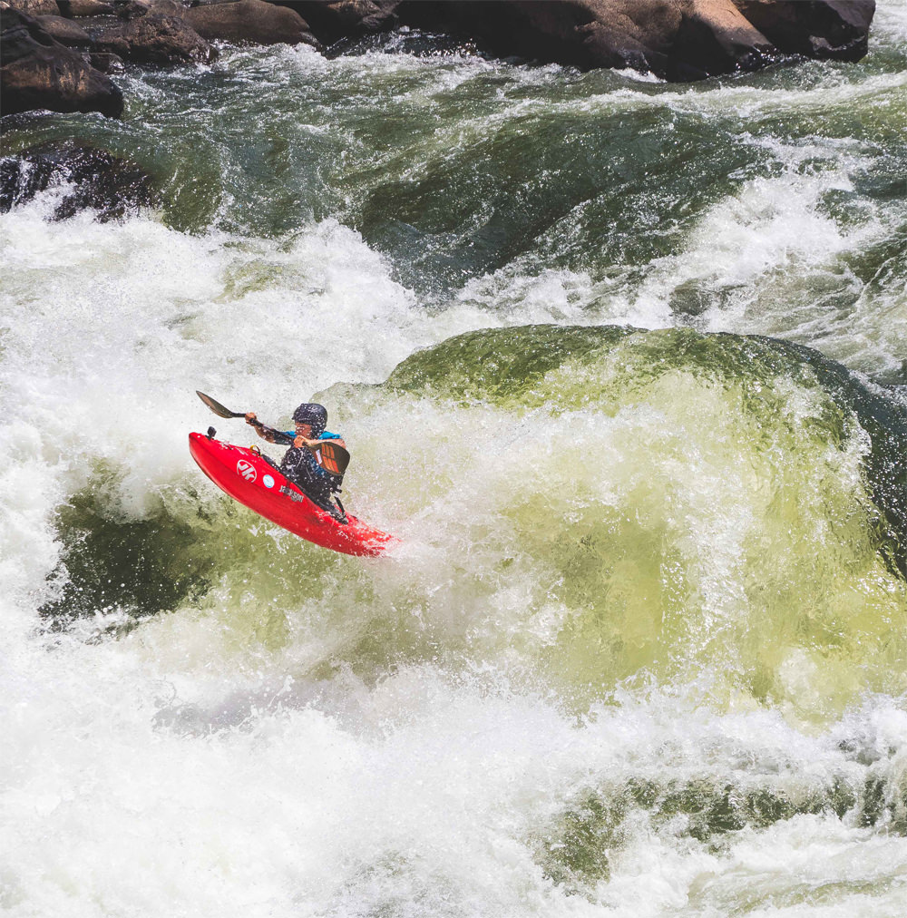 Why the Zambezi is One of the Best Kayaking Locations